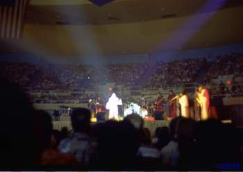 Elvis tour 1972 Nov  9.jpg